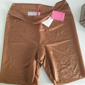NWT Spanx Skinny Britches midthigh short XL